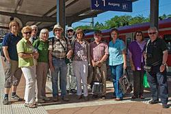 Gut gelaunte Fotografen am Bahnhof von Bad Nauheim
