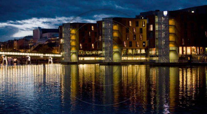 Rudolf Dölling: Trondheim bei Nacht